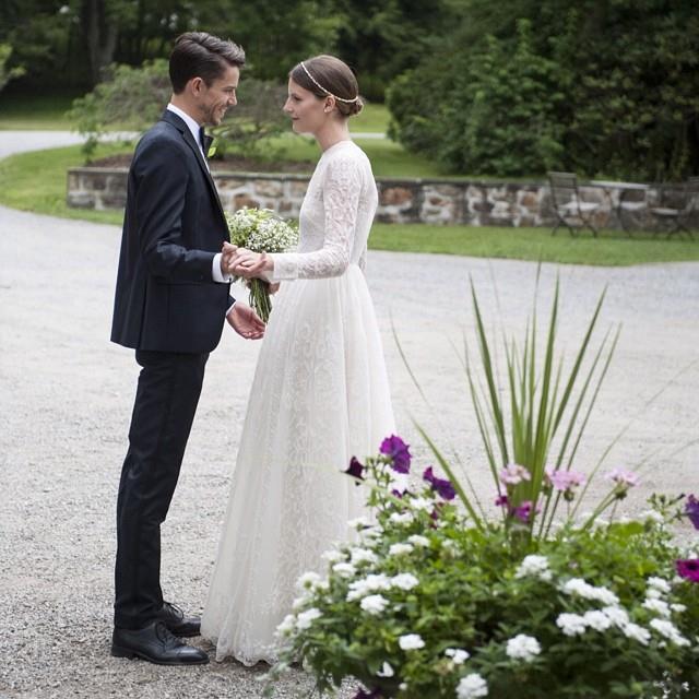 sara-blomqvist-Valentino-wedding-dress (1)