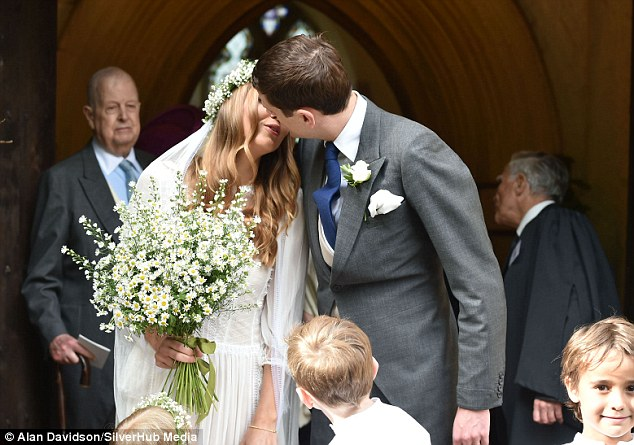 Alexander-Spencer-Churchill-Scarlett-Strutt-Wedding (5)