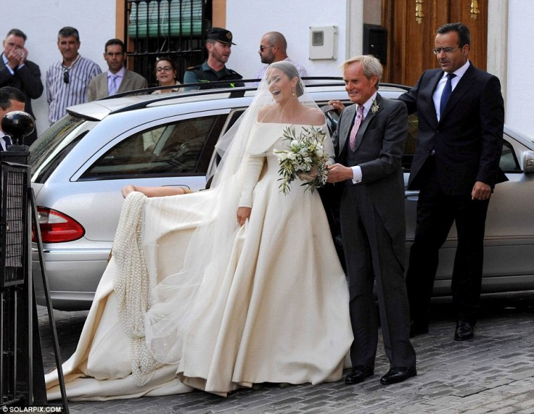 Celebrity-Wedding-Lady-Charlotte-Wellesley-Alejandro-Santo-Domingo (1)