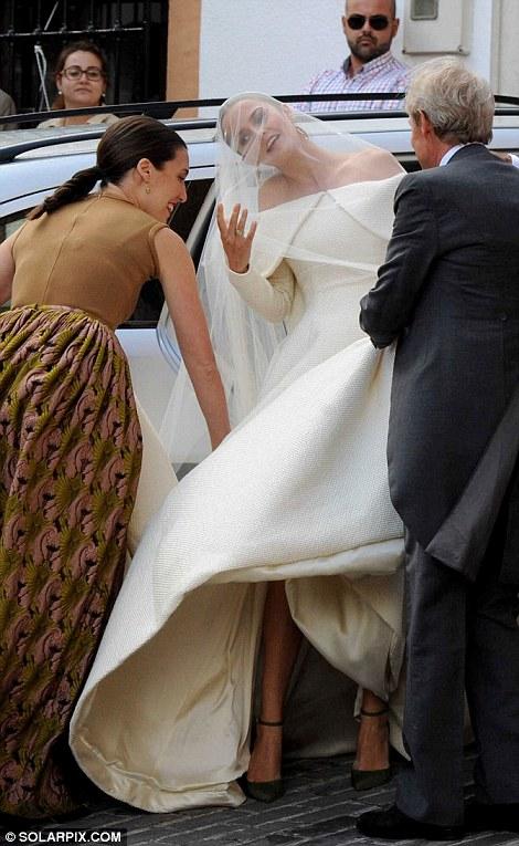 Celebrity-Wedding-Lady-Charlotte-Wellesley-Alejandro-Santo-Domingo (2)