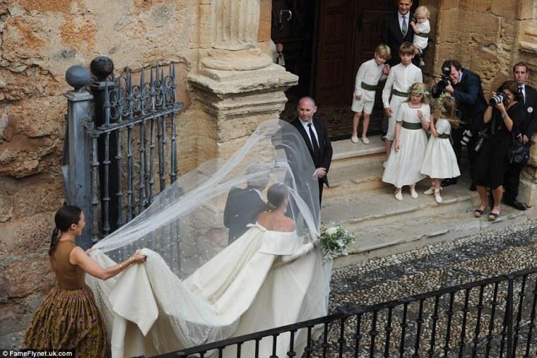 Celebrity-Wedding-Lady-Charlotte-Wellesley-Alejandro-Santo-Domingo (7)