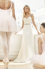 blush-hayley-paige-2017-spring-collection-bridal-gown-27