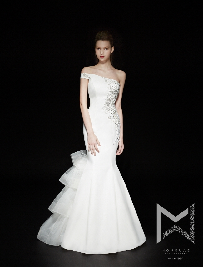 monguae-spring-2017-bridal-collection-059