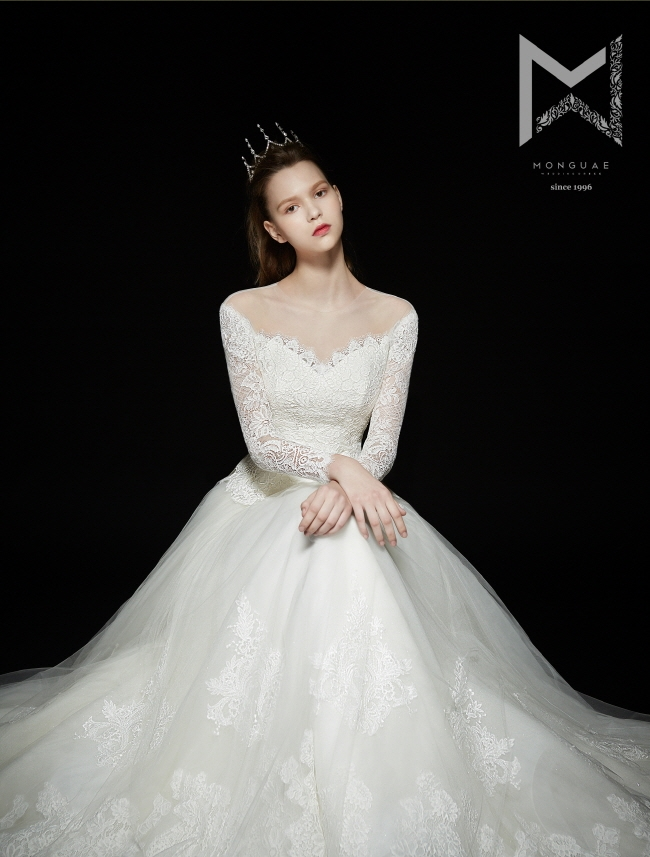 monguae-spring-2017-bridal-collection-070