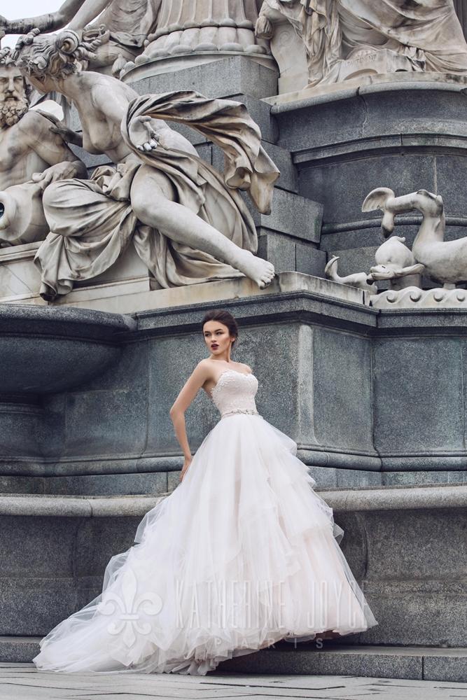 victoria-soprano-2017-fall-collection-bridal-gown-360