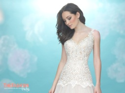allure-2018-wedding-gown-bridal-collection-052