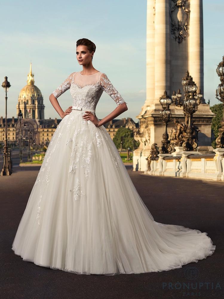the fashionbrides the best online guide of bridal designers. Black Bedroom Furniture Sets. Home Design Ideas