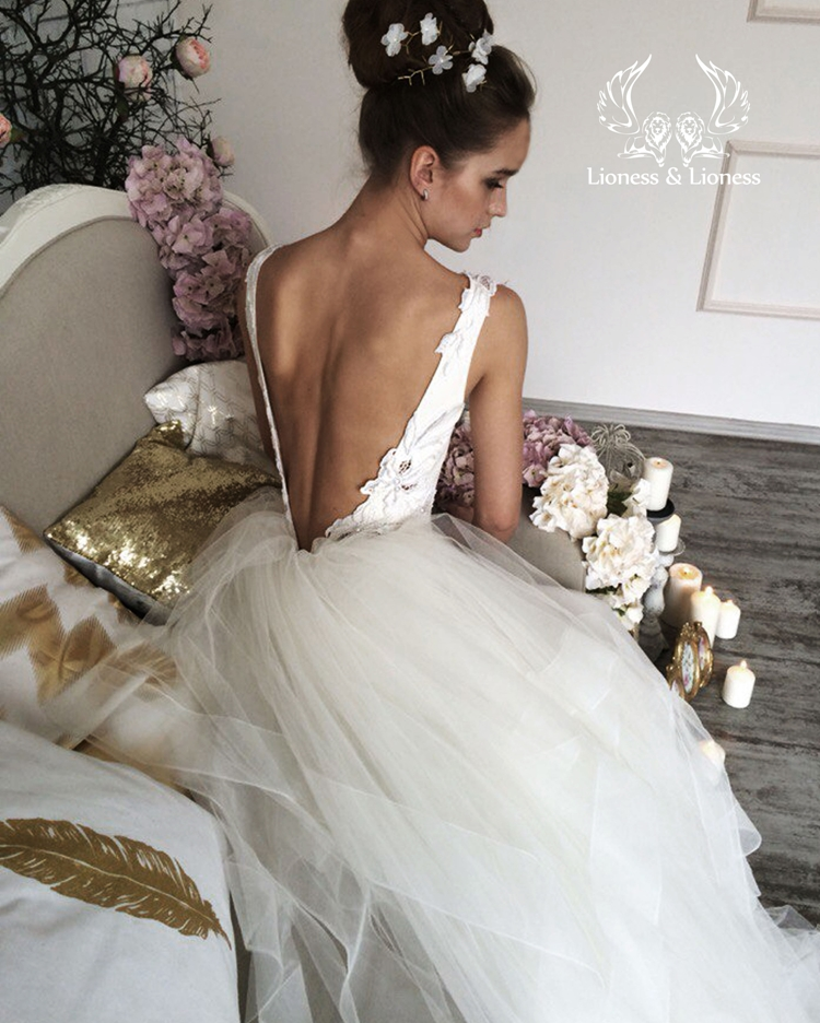 Lioness 2018 spring bridal collection 44 the fashionbrides for Lioness and lioness wedding dresses