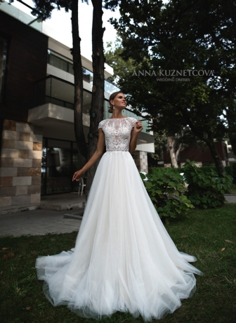 kuznetcova-2018-fall-bridal-collection-073