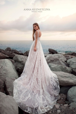 kuznetcova-2018-fall-bridal-collection-088