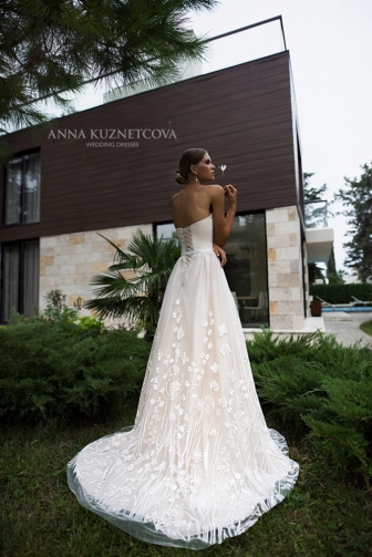 kuznetcova-2018-fall-bridal-collection-105