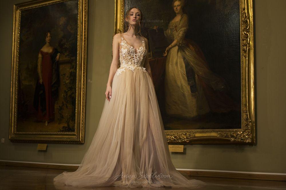 Anna Skoblikova 2018 Spring Bridal Collection