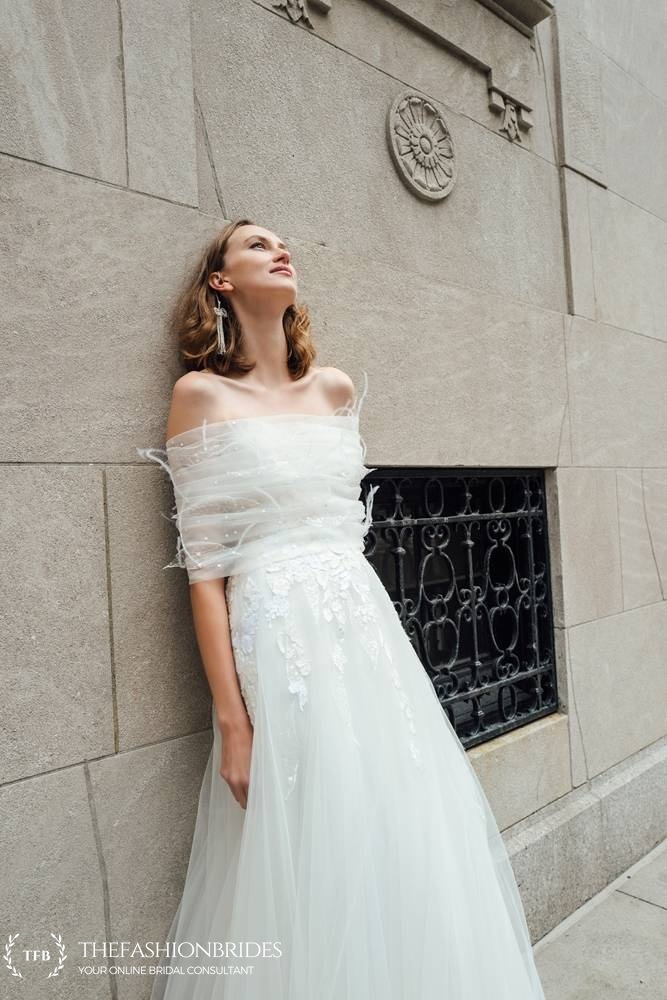 85431674b4b9 Israeli born Mira Zwillinger creates stunning couture bridal dresses that  are meticulously handmade by a team of ten skilled seamstresses – ensuring  a ...