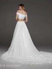 atelier-pronovias-2019-spring-bridal-collection-036