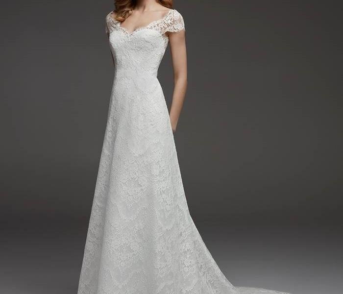367042b3d32 Atelier Pronovias 2019 Fall Bridal Collection