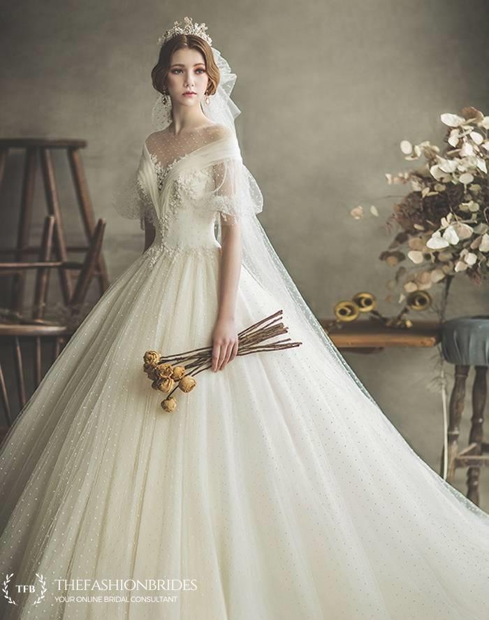 Clara Wedding The Fashionbrides