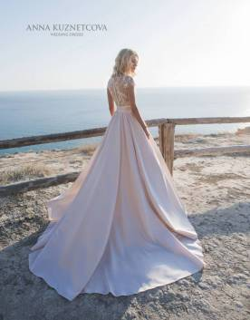 kuznetcova-2019-spring-bridal-collection-003