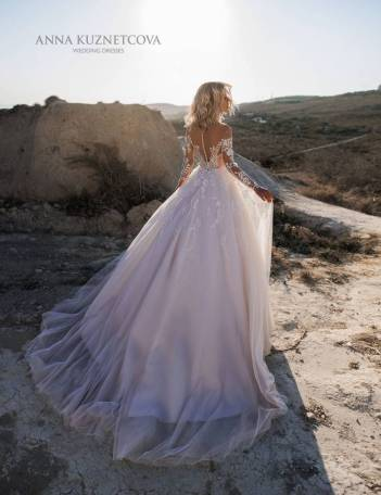 kuznetcova-2019-spring-bridal-collection-011